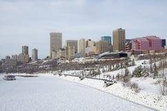 Flod i vinter Arkivbilder