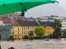 Flod 2013, linz, Österrike royaltyfria bilder