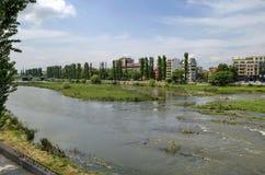 Flod Maritsa i den Plovdiv staden Fotografering för Bildbyråer