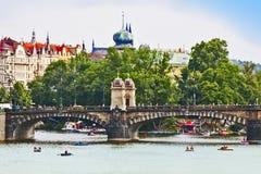 Flod Moldau i Prague Royaltyfria Foton