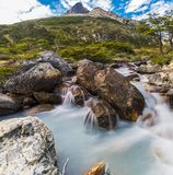 Flod nära Laguna Esmeralda i Tierra del Fuego Royaltyfria Foton