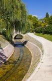 Flod och bro i splittring arkivbilder
