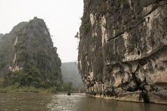 Flod- och karstberg Nimh Binh, Vietnam Royaltyfri Fotografi