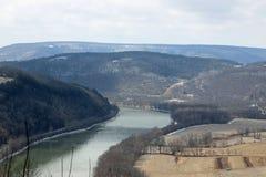 Flod och spår Arkivfoto