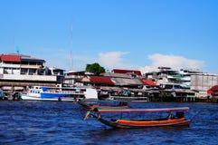 Flod- och taxifartyg Fotografering för Bildbyråer