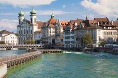 Flod Reuss på Lucerne royaltyfri fotografi