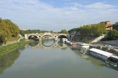 flod rome tiber Fotografering för Bildbyråer