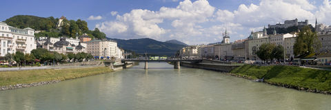 Flod Salzach på Salzburg Royaltyfria Foton