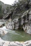 Flod Snabb ström vertical för flod för panorama för berg för 3 hdrbilder royaltyfria foton