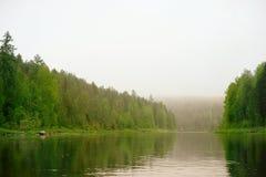 Flod Sos'va arkivfoton