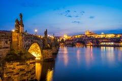 Flod Vltava, Charles Bridge Prague Czech Republic Arkivfoto