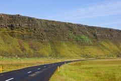 Flodbasaltet flödar i Island Arkivfoto