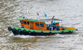 Flodbogserbåtfartyg på den Chao Phraya floden, Bangkok Royaltyfria Foton