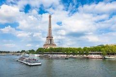 Floden för Eiffel torn och Seine i Paris, Frankrike Arkivbild