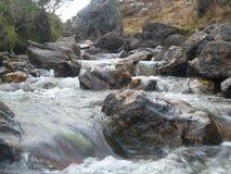 Floden och vaggar Royaltyfria Foton