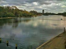 Floden parkerar Arkivfoto