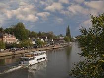 Floden snubblar på Chester Arkivbild