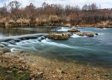 Floden Tarusa, kaskad Arkivbild