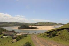 Flodfärjastation i den lösa kusten i Sydafrika, u-land infrastrucutre arkivfoton