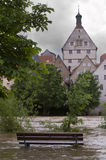 Flodfloden når Besigheim, Tyskland Royaltyfri Foto