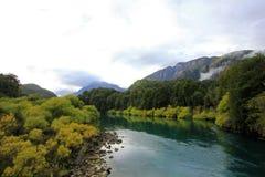 FlodFutaleufu flöda som är välkänt för vitt vatten som rafting, Patagonia, Chile Arkivfoto