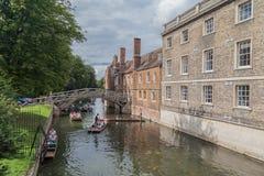 Flodkam Cambridge England Royaltyfri Fotografi