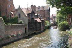 Flodkanal i sommar, Brugge Fotografering för Bildbyråer