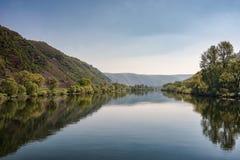 Flodlandskap i Tyskland arkivfoto