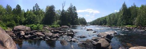 Flodlandskap, Quebec, Kanada royaltyfria foton