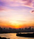 Flodsiktssoluppgång i den älskvärda morgonen Fotografering för Bildbyråer