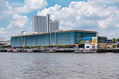 Flodstad Bangkok, shoppinggalleria i Thailand fotografering för bildbyråer