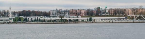 Flodstation i Yaroslavl arkivfoto