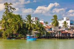 Flodstrand bo Nha Trang Vietnam Arkivfoton