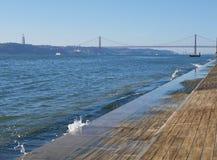 Flodstrand i Lissabon, Portugal Arkivfoto