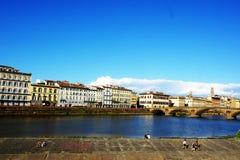 Flodstrandsikt av Florence Italy Arkivbilder