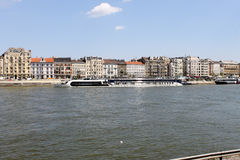 Flodstrandsikt i Budapest Royaltyfria Bilder
