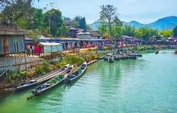 Flodstrandsikt, Indein, Myanmar Arkivbild