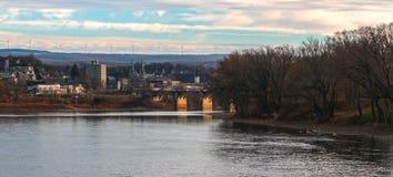 Flodstrandstad av Pittston Pennsylvania arkivfoto
