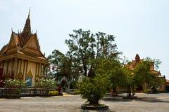 Flodstrandtempel av Kampot, Cambodja Arkivfoto