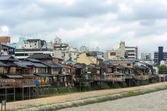 Flodstrandunderhållningområde i Kyoto, Japan Fotografering för Bildbyråer