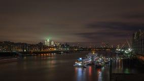 FlodThemsen, London på natten arkivbild