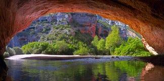 Flodvatten från grottaveroen Picamartillo Arkivfoto