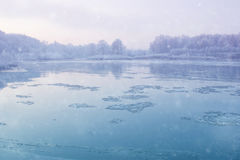 flodvinter Arkivbild