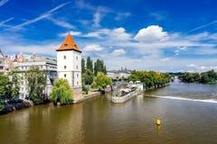 FlodVltava Prague Tjeckien Royaltyfri Fotografi