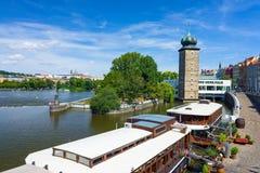 FlodVltava Prague Tjeckien Arkivbild