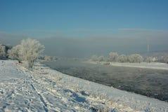 Floes de gelo no rio Elbe fotos de stock royalty free