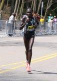 Flomena Cheyech Daniel rent op de Hartzeerheuvel tijdens de Marathon 18 April, 2016 van Boston in Boston Stock Afbeelding