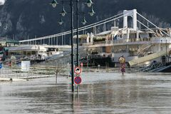 Flood in Budapest. Danube Flood with Elisabeth Bridge in Budapest, Hungary in 2006 Royalty Free Stock Photos