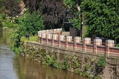 Flood Defence Wall Along The River Wye, Hereford. Stock Photos