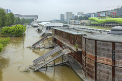 Flooding Сены реки в Париже Стоковое Изображение